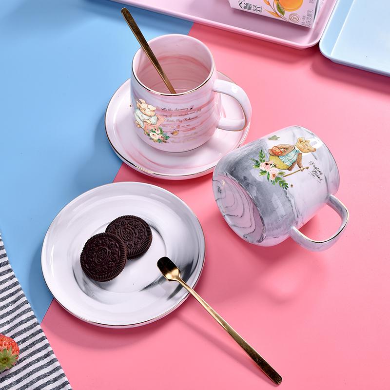 新品比得兔马克杯猪猪印花大理石纹咖啡杯牛奶杯套装带勺陶瓷杯垫PR-T1117